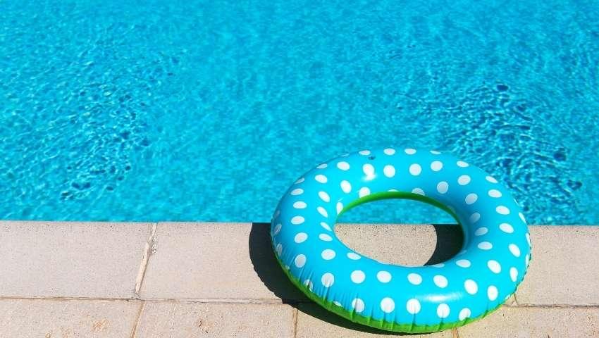 pool deck surfacing tips