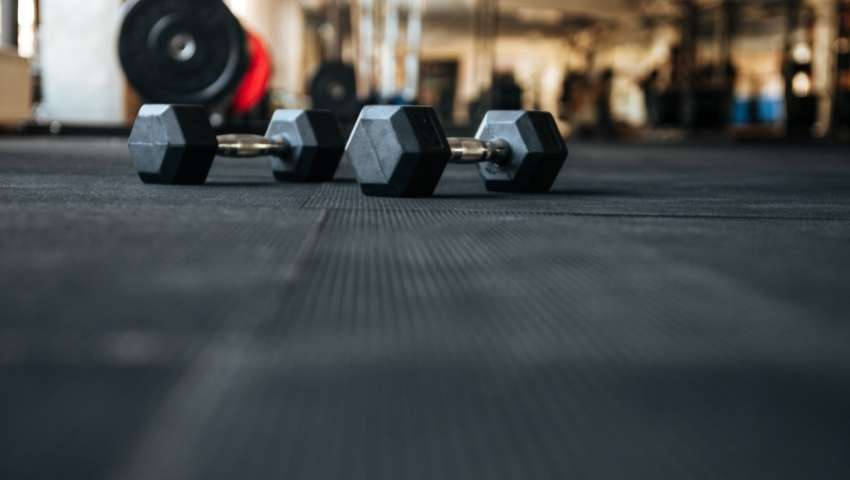 Wet-Pour Rubber Surfacing for Home Gym Surface